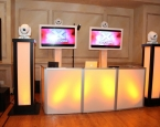 Amber Colors with twin Flat Screens and intelligent lighting